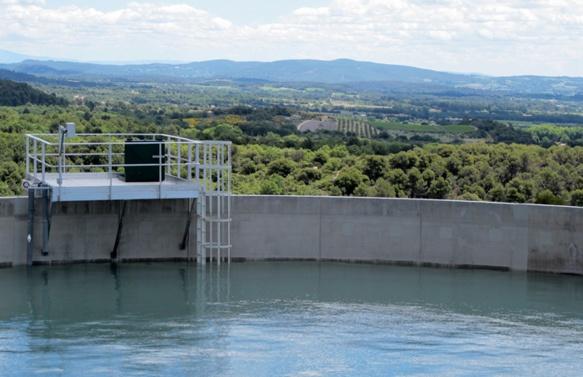 Un maillage d'ouvrages de rétention et un système prévisionnel éviteraient en Provence les conséquences d'une sécheresse, mais pas de deux (photo MN)