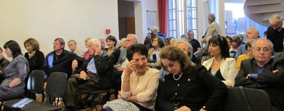 Le public durant l'hommage à l'Oustau de Prouvenço (photo MN)