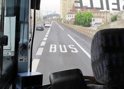 De 17 km de voies réservées projetés (sur 35) à la fin des années 1990, trois seront réalisés pour 2017...Ralentissements routiers ou ralentissements administratifs ? (photo MN)