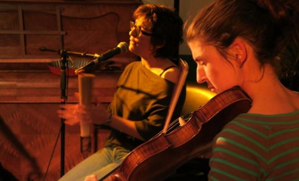 Audrey Peirano et Sophie Maquin, en oc et pour danser (photo MN)