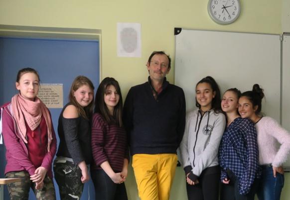 A l'issue du premier conseil de rédaction des jeunes journalistes en devenir à Vitrolles (photo MN)