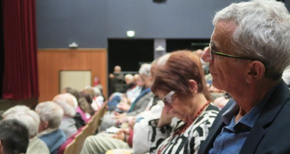 Le Forum d'Oc a attiré élus et afogats à Forcalquier (photo MN)
