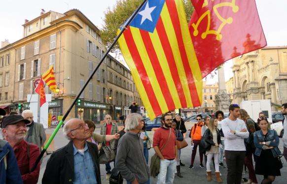 Un premier rassemblement, à la veille de la suspension du statut d'autonomie de la Catalogne (photo MN)
