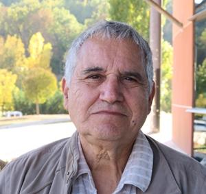 Avec Miquèu Arnaud, l'occitan est langue officielle, tandis que les caciques de l'énergie sont les tenants du solaire...De la fiction, qu'on vous dit ! (photo MN)