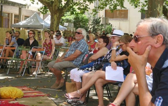 Il n'est pas rare de voir 500 personnes ou plus pour un récital à Convivència (photo MN)