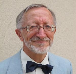 Jean-Marc Courbet en 2013, alors qu'il reçoit le Grand Prix Littéraire de Provence, à Ventabren, pour son action en faveur de la mise à disposition de l'écrit en langue d'oc (photo MN)