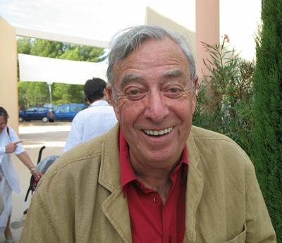 En septembre 2007 lors de la remise du Grand Prix Littéraire de Provence, à Ventabren, Guiu Martin commente pour Aquò d'Aquí l'importance de l'oeuvre de Robert Lafont (photo MN)