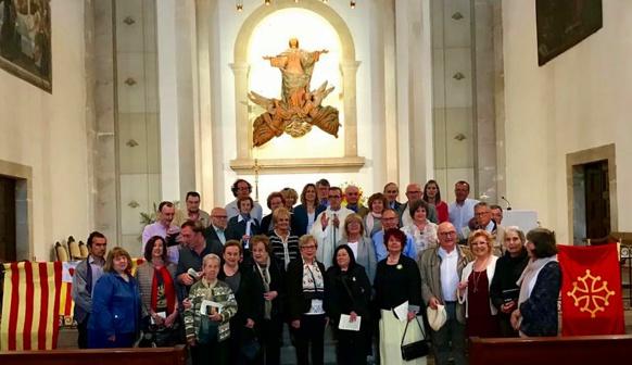 Avec les paroissiens de Prats de Rei, à l'issue de la messe annuelle en occitan (photo LCM DR)