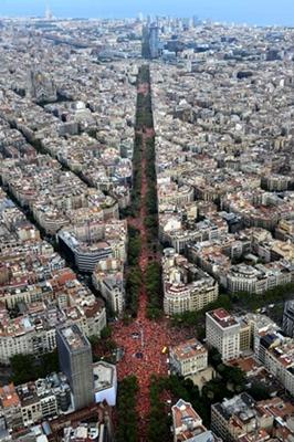 Avinguda Diagonal, un million de manifestants, plus ou moins. Mobilisation intacte après un an d'Inquisition (photo Omnium Cultural DR)