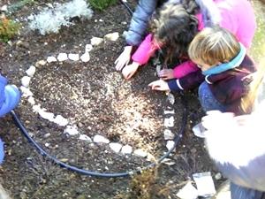 Pour la Sainte-Barbe (4 déc.) les écoliers ont été invités à planter le blé à la Bastide Marin, une des traditions de Noël les mieux respectées en Provence (photo XDR)