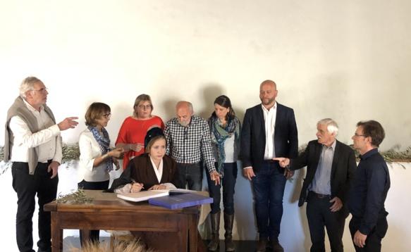 Au Mas dóu Juge, une équipe de lectrices et lecteurs en respect de l'oeuvre et de son auteur (photo Daniel Trotman DR)