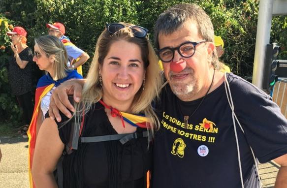 Journée riche d'enseignements, pour Cristina : du découragement face à l'Union Européenne indifférente, mais de l'espoir avec des citoyens impliqués et tenaces, comme ici le célèbre clown Jordi Pessarodona