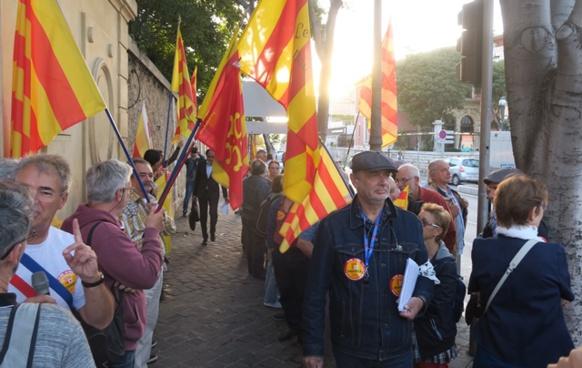 """En septembre 2018 de nombreux Vauclusiens avaient manifesté à Marseille de voir leur région officiellement appelée """"Provence"""". Aujourd'hui la provençalité de leur commune leur est effacée (photo MN)"""