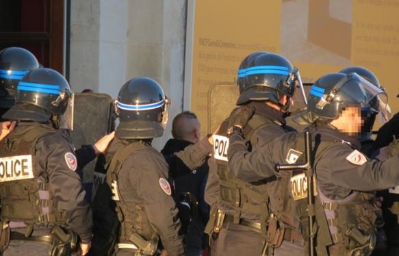La cagnotte lancée par le pdt de Région réserve 74 000 € pour le suivi psychologique des policiers sur le terrain (photo MN)