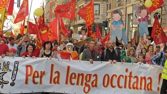 De 30 à 40 000 manifestants, pour la langue occitane ... et pour les autres (photo MN)