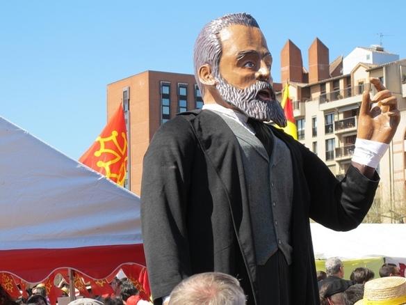 Jaurès mobilisé pour l'occasion, la statue de résine a été réalisée à Girona pour une association toulousaine (photo MN)