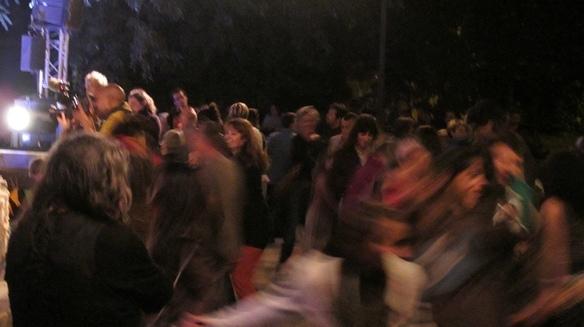 La  farandole au moment du concert du Còr de la Plana (photo MN)