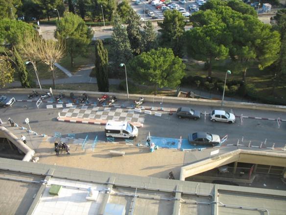 """Les hôpitaux marseillais ont réduit fortement le nombre de lits de réanimation dédié """"Covid 19"""", ici accueil de l'Hôital Nord (photo MN)"""