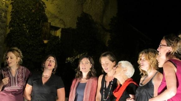 Misè Babilha, chanter sérieusement sans se prendre au sérieux (photo MN)