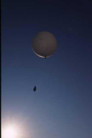 Des ballons dérivants pour saisir les courants atmosphériques au dessus des flots (photo Météo France DR)