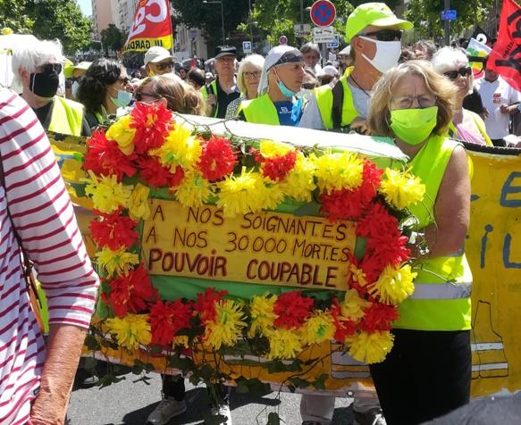 Un hôpital public avec des moyens c'était moins de drames humains. A Marseille nombre l'ont dit (photo SC DR)