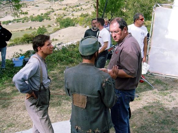 Sur le tournage près de Noyers, Philippe Carrese à droite, Laurenç Revest à gauche (photo XDR)