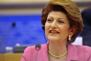 """La commissaire européenne déléguée à la Culture et à l'Education Androulla Vassiliou """"ouvrira des espaces au financement plus importants des projets liés aux langues régionales"""" selon François Alfonsi (photo UE)"""