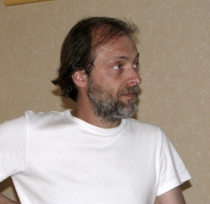 """Christian Philibert, l'auteur des Quatre Saisons d'Espigoule présentera son film """"Le complexe du santon"""" à partir de 18 h (photo MN)"""