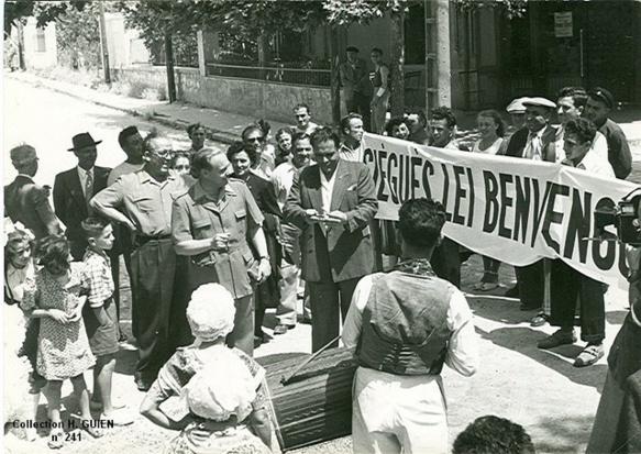 Années 1950, Jòrgi Reboul à la Fête de Ste-Marthe, le quartier marseillais de Paul Ricard (photo Archives DR)