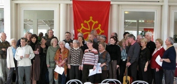 La meilleure structuration des associations occitanistes leur permet de mieux résister en Rhône Alpes (ici stage en Drôme - photo XDR)