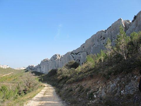 """A peu de distance de Mouriès, une """"caisse"""" dans laquelle nos ancêtres devaient se protéger du mistral (photo XDR)"""