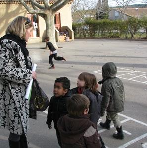 Ecole centre continu d'apprentissage de la langue régionale au nord d'Aix-en-Provence. Un enseignant habilité y reçoit toutes les classes durant la semaine, à raison de six heures chacune. Mais sa formation n'est pas payée par l'Education Nationale (photo MN)