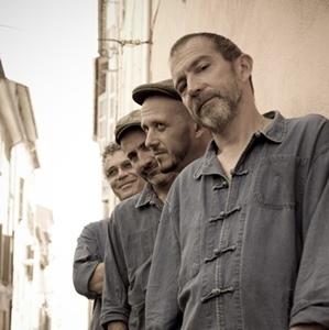 """Après """"Putan de Cançon"""" en 2010, """"Artémis"""" fait plus appel au blues. Au premier plan, Tatou (photo XDR)"""