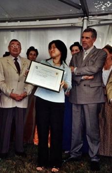 A Avignon en 2004 pour la Santo Estello, juste avant de discourir sur la continuité de la recherche sur la langue occitane au Japon (photo MN)