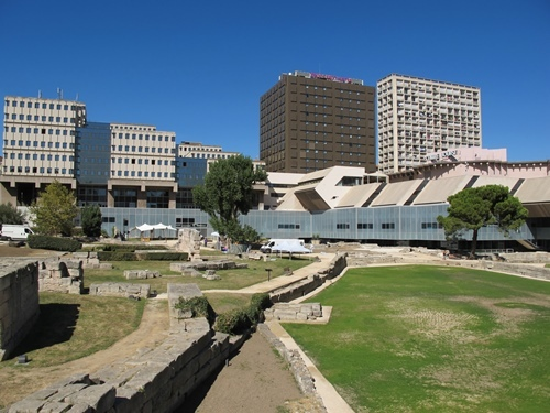 Construit en 1983 au sous sol d'un centre commercial, le Musée d'Histoire de Marseille ouvre sur les anciens docks romains, eux découverts en 1967 (photo MN)
