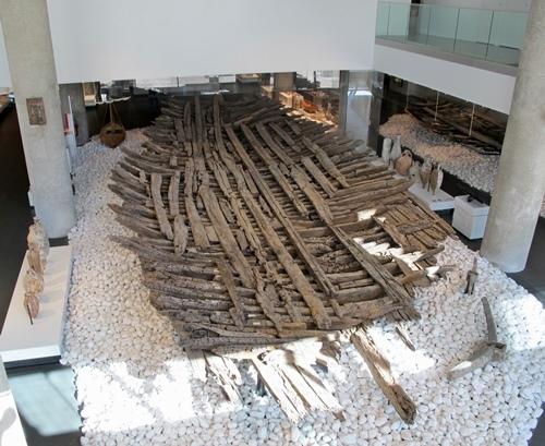 Cette épave de cargo de l'époque romaine ne pouvait être évacué pendant les travaux (photo MN)