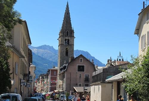 De valaias en valaas propose un voyage géographique et linguistique dans l'imaginaire des pays alpins de langue occitane (photo MN - Barcelonnette)