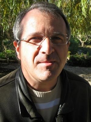 L'auteur chez lui, au Val. Tirages limités, présence sur le terrain de la librairie et engagement pour l'enseignement de l'occitan, trois conditions pour faire lire le livre en oc (photo MN)