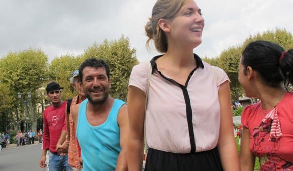Chaîne de solidarité à Aix-en-Provence le 8 septembre 2013, après la destruction d'un camp Rom dans le Pays d'Aix (photo MN)