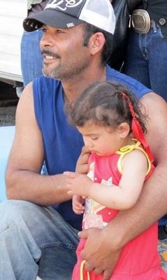 Onze familles Roms restent à Gardanne, où le maire exige la scolarisation de tous les enfants (photo MN)