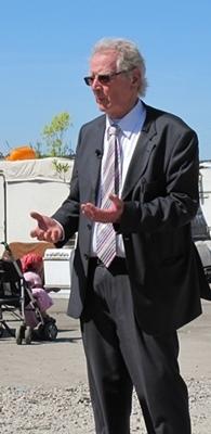 """Le maire de Gardanne, Roger Mei : """"nous avons fait notre part, humainement, et chaque commune pourrait en faire autant. Nous pouvons apporter notre expérience"""" (photo MN)"""