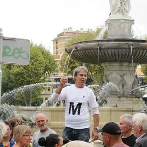 """Hervé Guerrera mène une lutte pied à pied avec le Caddris dans le pais d'AIx contre les expulsions : """"2500 Roms parmi 2 millions et demi d'habitants ! on peut intégrer à partir d'entités réduites, à l'instar de ce que fait Gardanne"""" (photo MN)"""