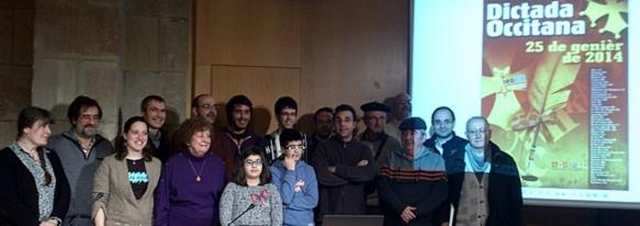 """Gascons et Limousins s'étaient rendus à Barcelone pour accompagner les élèves Catalans du Centre d'Afrairament Occitano-Catalan; et signe d'officialité, Xavier Moral, le responsables des """"Affaires occitanes"""" de la Généralité de Catalogne assistait à la DIctada (photo Caoc DR)"""