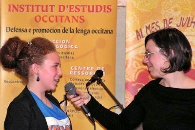 A Nimes, un petit crochet radio entre deux dictées (photo XDR)