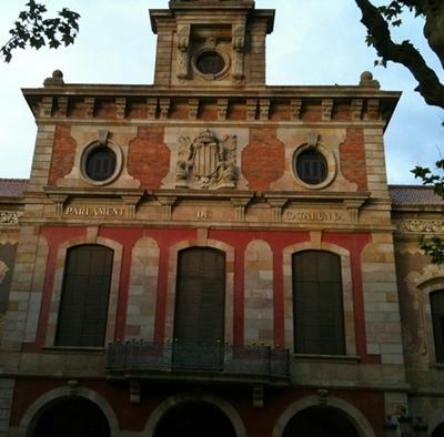 Depuis 2010 le Parlement catalan, fait unique au monde, reconnait l'occitan comme langue officielle (photo MN)