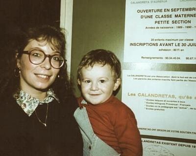 Première institutrice (Nadine Estournel) et premier calandron (Guilhem Vaton)