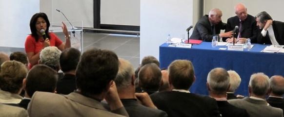 Samia Ghali, mairesse de Marseille XV-XVIè arrdts. Une voix discordante dans le concert du pacte anti métropole. A droite Georges Rosso (Le Rove), Jean-Claude Gaudin (Marseille Provence Métropole) et Georges Cristiani (Union des Maires des BdR) en conciliabule lors de l'AG de l'Union des Maires le 17 mai 2014 (photo MN)