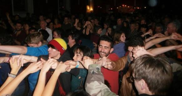 """Garantie de durabilité, """"l'enthousiasme d'une équipe soudée qui se transmet au public"""" (photo AC DC)"""