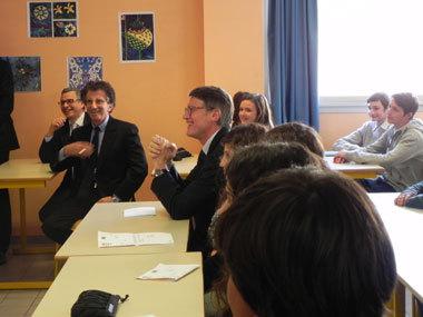 """Février 2014 à Aix, Vincent Peillon vient lancer un projet """"langues méditerranéennes"""" incluant l'occitan. Un affichage avant l'abandon ? (photo ministère EN DR)"""