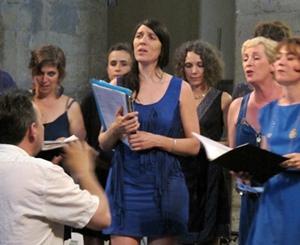"""Dans le film de S Benillouche on assiste à la genèse du projet """"Madalena"""" avec Manu Theron et des groupes vocaux féminins (photo MN)"""